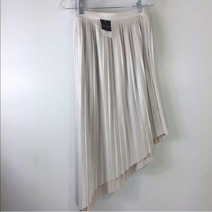 NWT! Topshop Asymmetrical Pleated Skirt ❣️